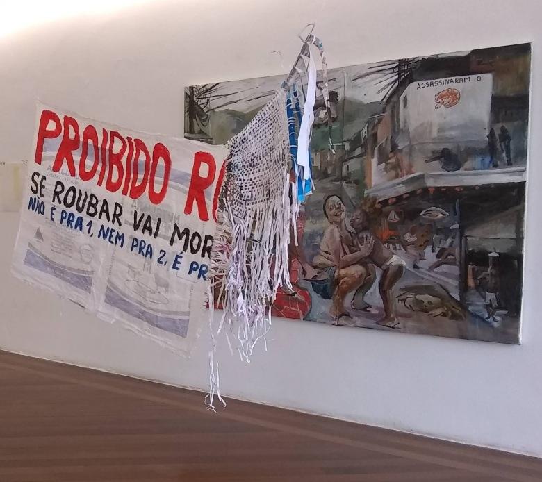 Por detrás da lei, instalação e pintura-1. (2020)